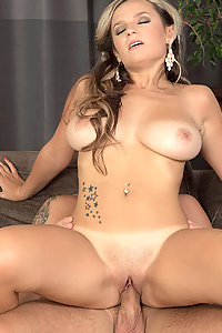 Jessie simmons big tits out